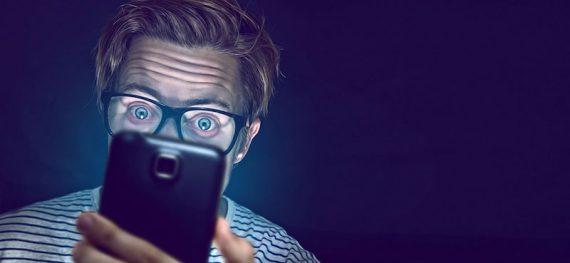 Duerme mejor con menos luz azul en tu pantalla